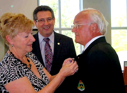 Lynn receives the Queen's Diamond Jubilee Medal